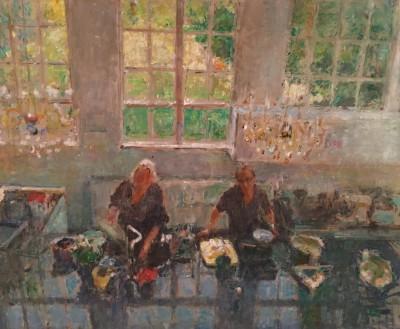 'M en A in de keuken, van bovenaf gezien', 2015, olieverf, 100 x 120